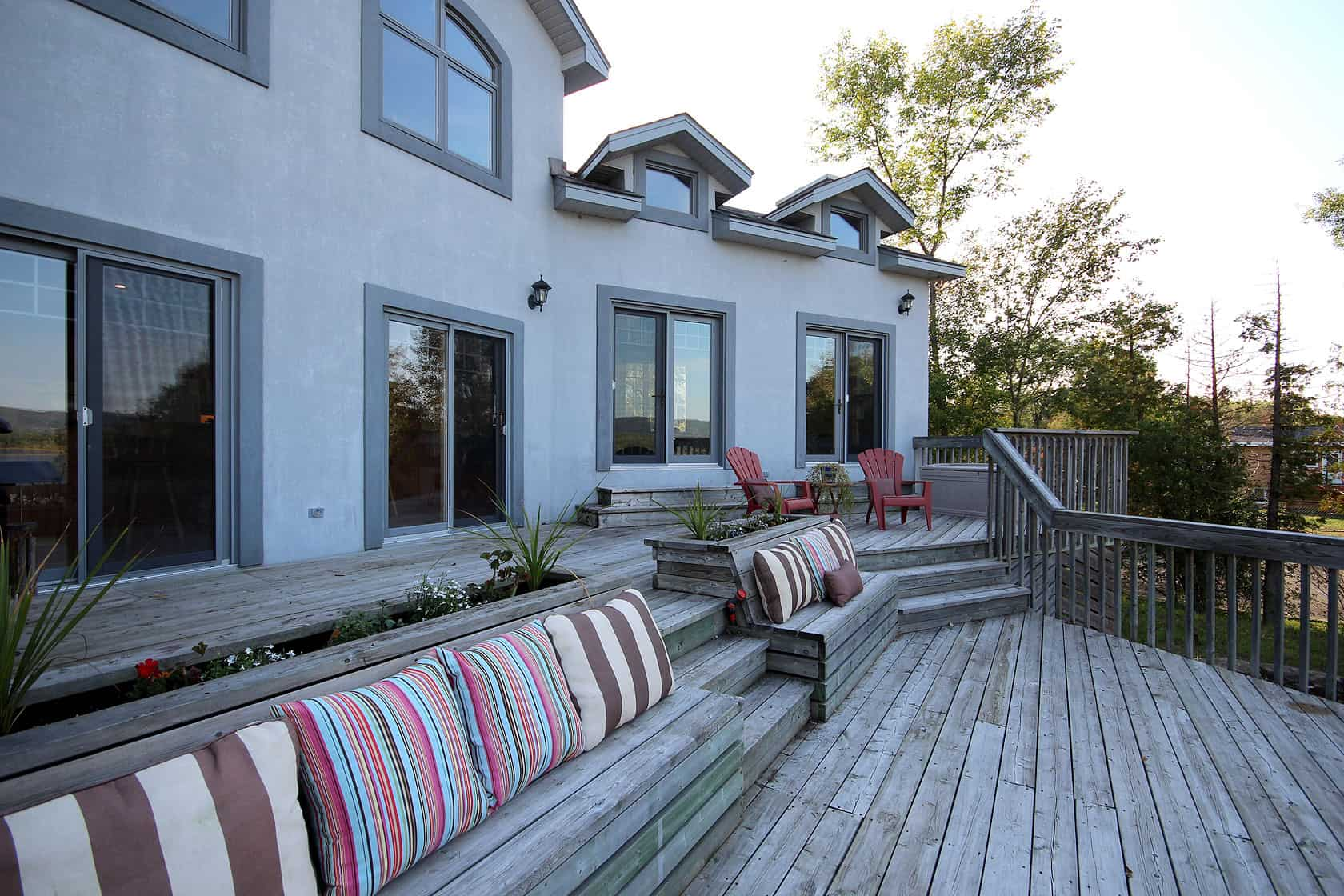 187 Ottawa River Home